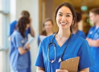 Cùng chúng tôi trả lời câu hỏi muốn làm y tá thì học gì?